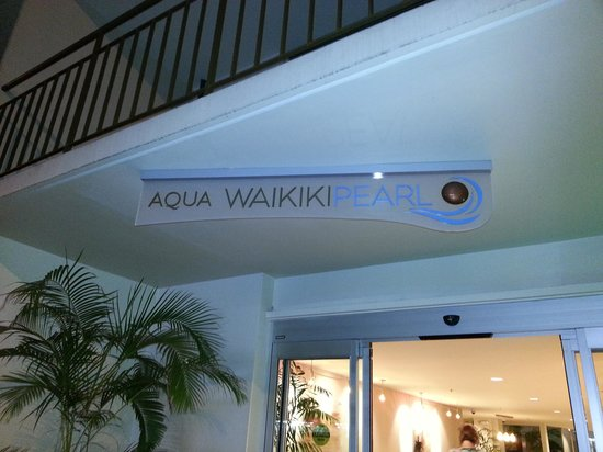 Aqua Waikiki Pearl: Entrance to Happiness