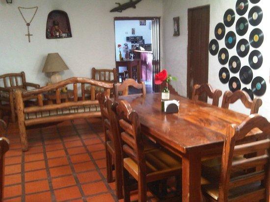 El Rancho de Goma: Zona lateral
