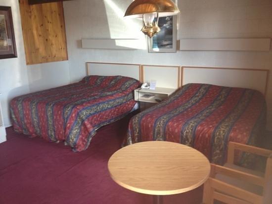 Voyageur Motel: beds
