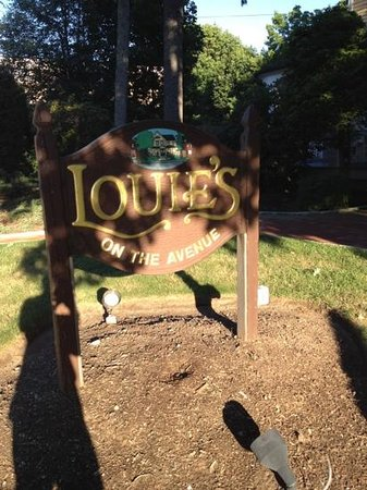 Louie's On The Avenue: great food