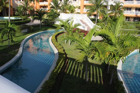 Iberostar Rose Hall Suites: room view of the lazy river