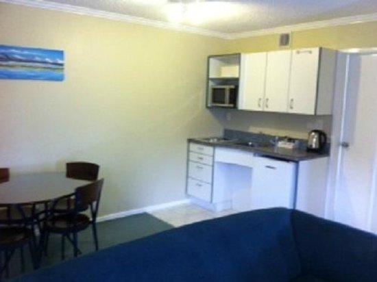 Hawk's Inn Motel : 1 Bedroom Unit