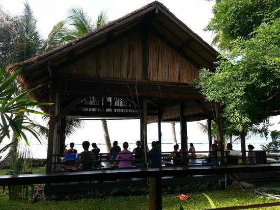 Samahita Retreat: yoga right by the sea