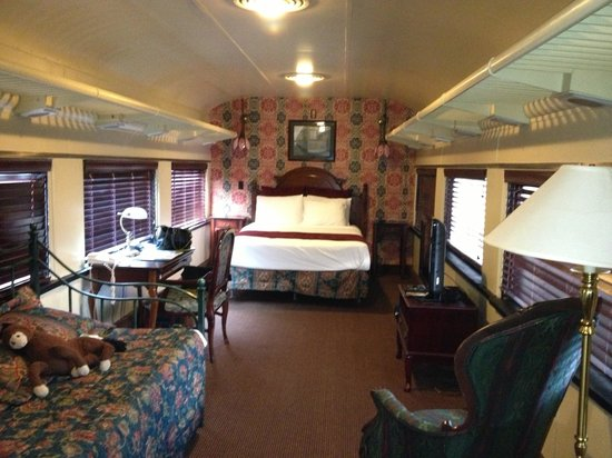 Chattanooga Choo Choo: Train car room