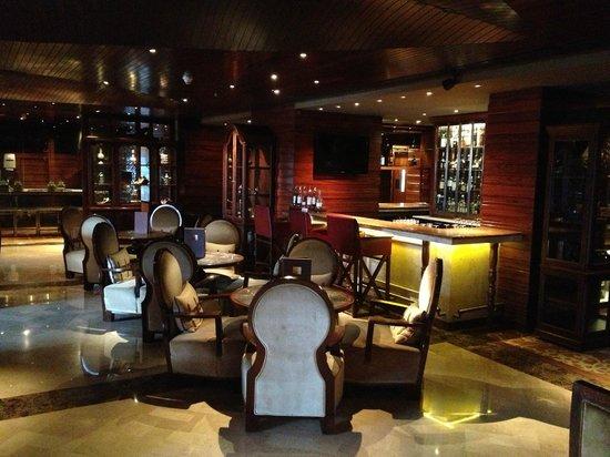 Design Vintage Bank.Vintage Bank Bar I Of Ii Bars Picture Of Hilton Chennai Chennai