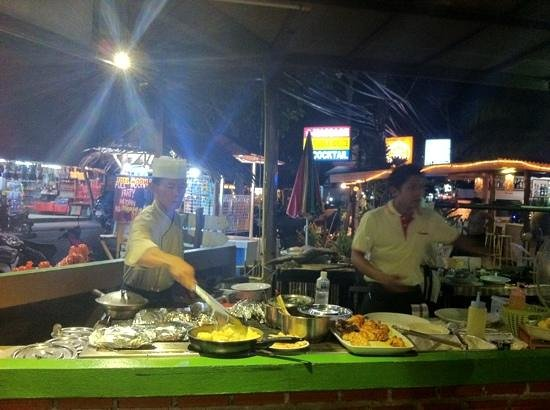 Grill House: cucina a vista
