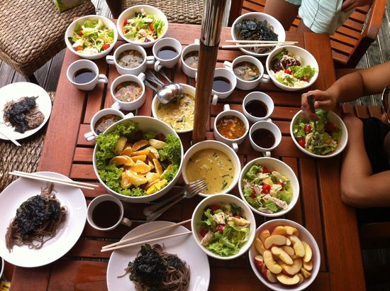 Two Villas Holiday Oriental Style Naiharn Beach: Homecook food