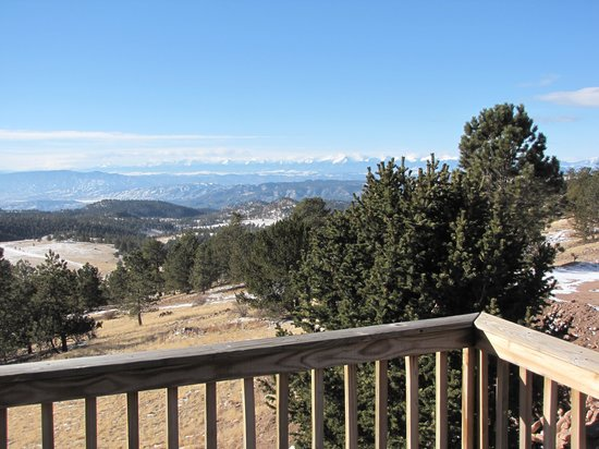 Whispering Pines Bed and Breakfast and Vacation Home Rental: What a view West from Mountain Suite!