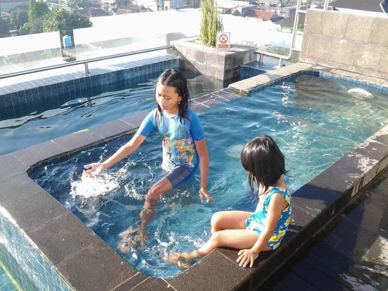 The Edelweiss Hotel Yogyakarta : kolam renang