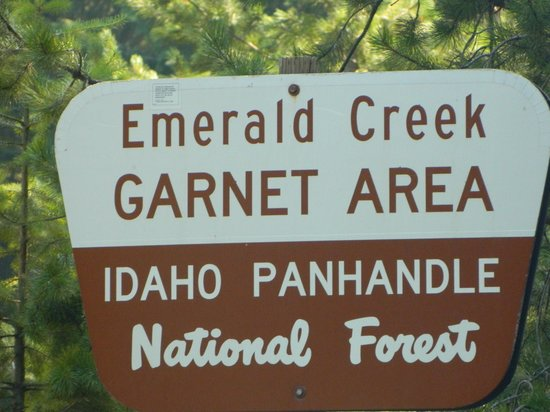 Emerald Creek Garnet Area: Sign of the park