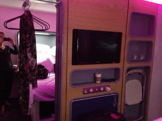 YOTEL London Heathrow Airport: well-designed room