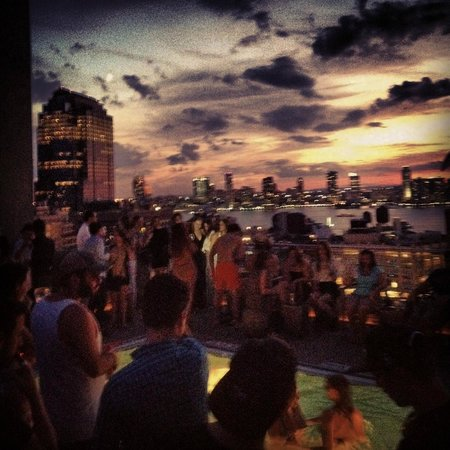 The James New York - SoHo : Roof Top Bar