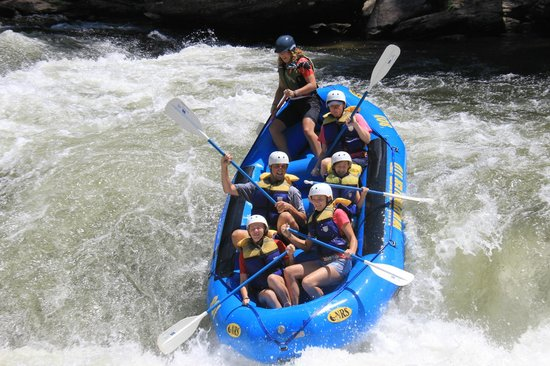 Wildwater Rafting - Chattooga : In the Bull Sluice