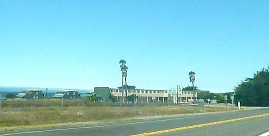 Sea Breeze Inn-not a great picture for I took it from the car