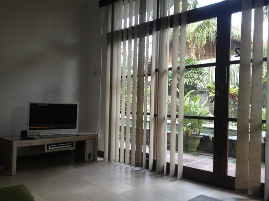 The Studio Bali: from my comfy spot on the couch