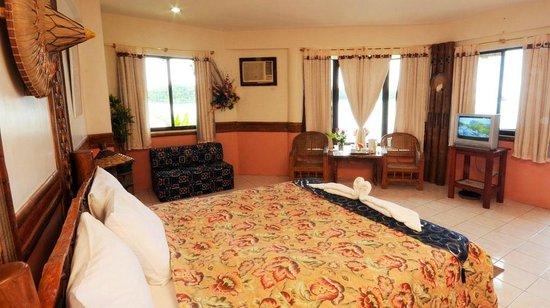 Puerto Nirvana Beach Resort: Suite Room