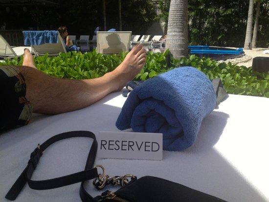 The Modern Honolulu: Reserved day bed at the Sunset Pool