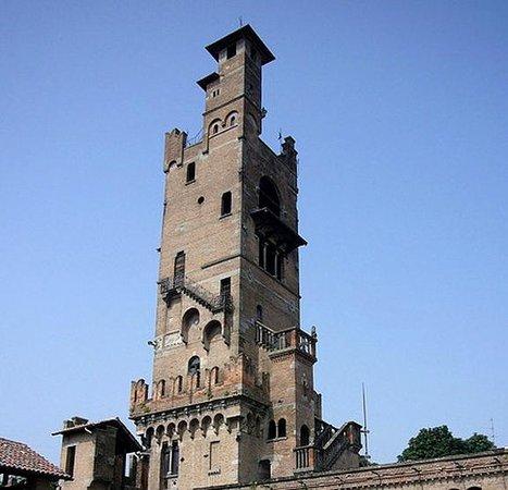 Torrione, revival neo-medievale