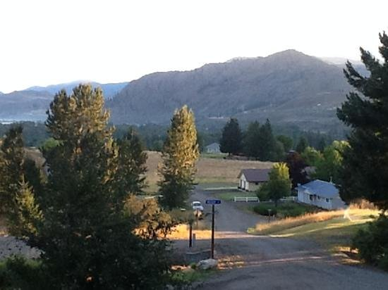 Methow Suites Bed and Breakfast: A view from Methow Suites Bed & Breakfast
