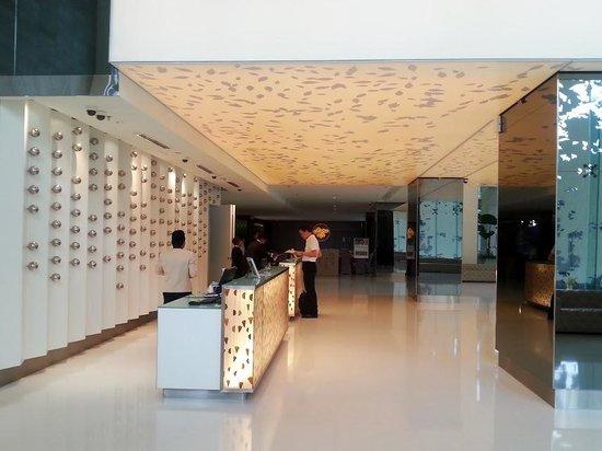 Vivatel Kuala Lumpur : hotel lobby another view