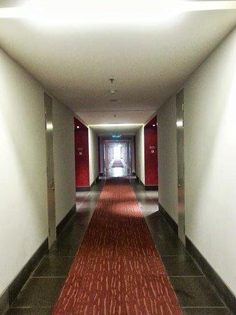 Vivatel Kuala Lumpur : passage way to room