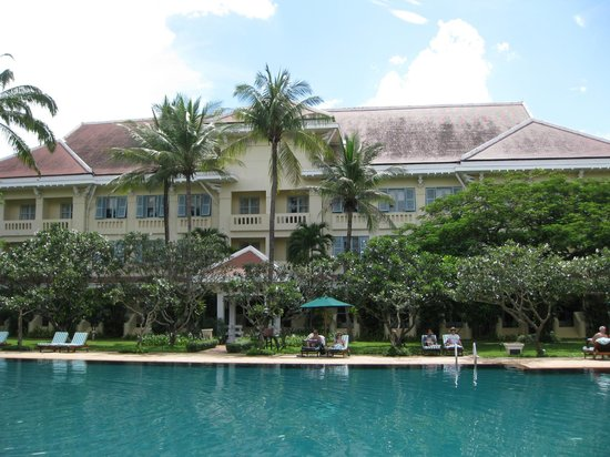 Raffles Grand Hotel d'Angkor: One wing, overlooking the pool