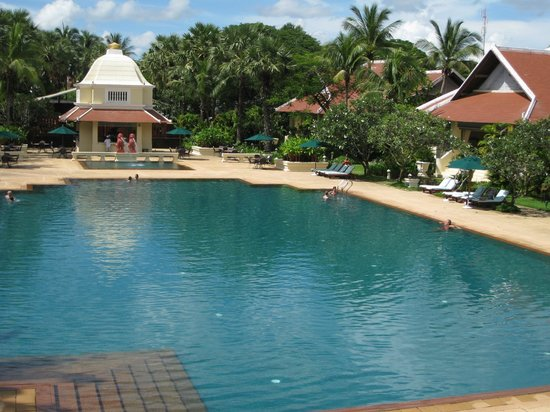 Raffles Grand Hotel d'Angkor: The pool and some of the grounds