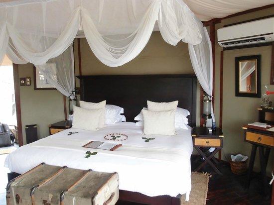 Hamiltons Tented Safari Camp: Bed