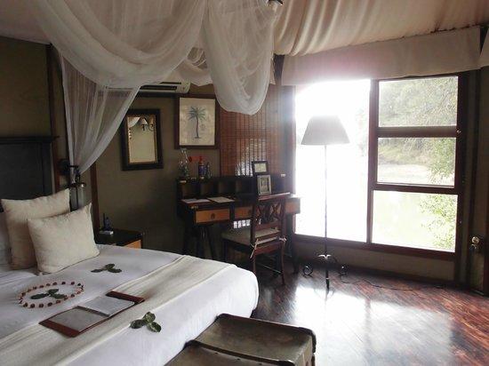 Hamiltons Tented Safari Camp: Bedroom