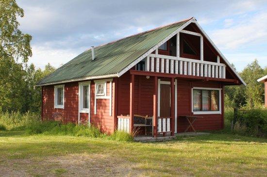 Naverniemi Holiday Center: Big cottage (outside)