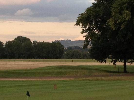 Bowood Hotel, Spa & Golf Resort: view outside the clubhouse/brasserie