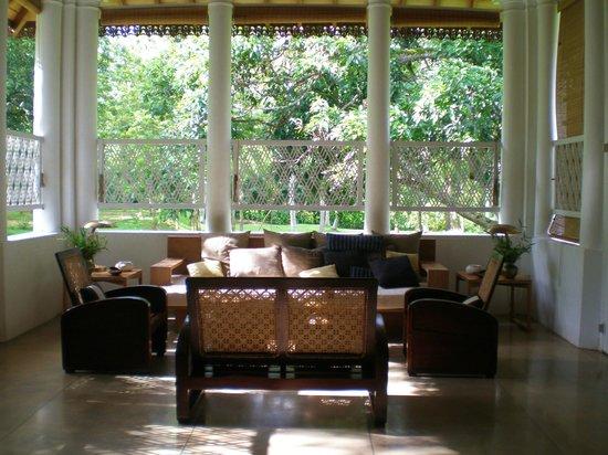 Maya: living room