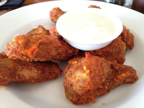 Cheeky Monkey Brewery and Cidery: Buffalo wings