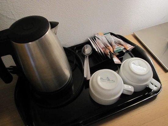 Hotel Bristol : ポットとコーヒー