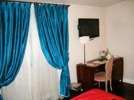 Hotel Mozart: Habitación