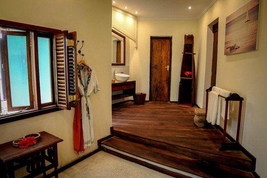 Anna of Zanzibar : Bathroom