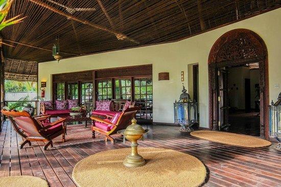 Anna of Zanzibar : Main veranda