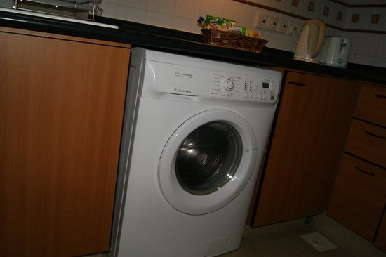 Le Grove Serviced Apartments : Washer-Dryer
