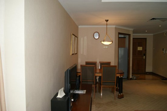 Le Grove Serviced Apartments : Dining area