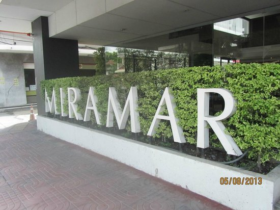 Miramar Hotel Bangkok: The outside