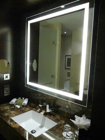Conrad London St. James: Bathroom mirror