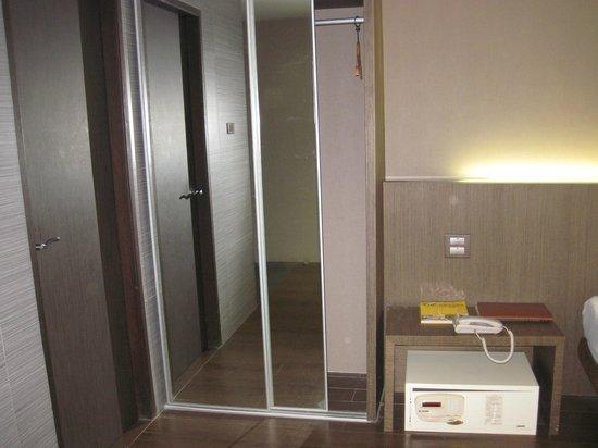 Bangkok City Hotel : closet