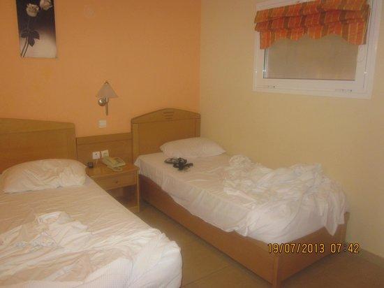 Hotel Tolo: stanza