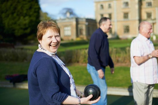 Ollerton, UK: Bowls. A fun daytime activity