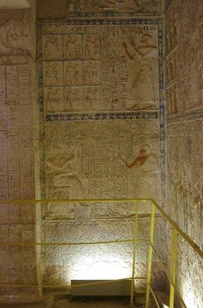 Tuna el-Gebel: Tomb of Petosiris - Detail