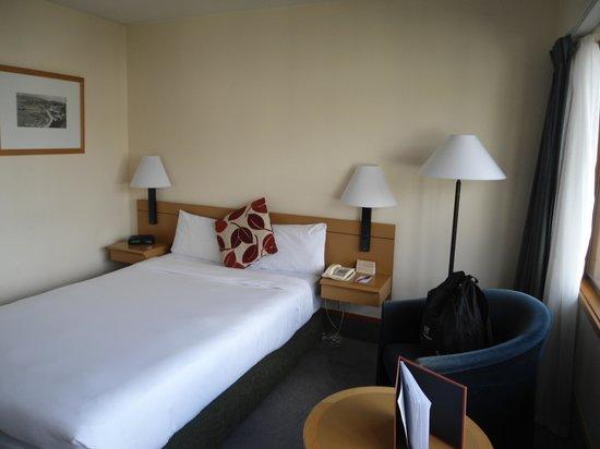 Mercure Wellington: room 611 on arrival