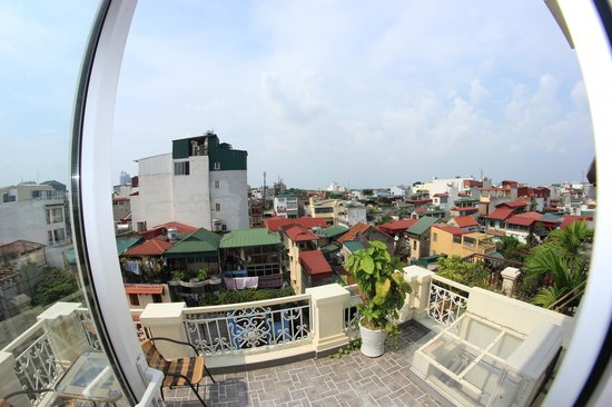 Hanoi Graceful Hotel: from the balcony