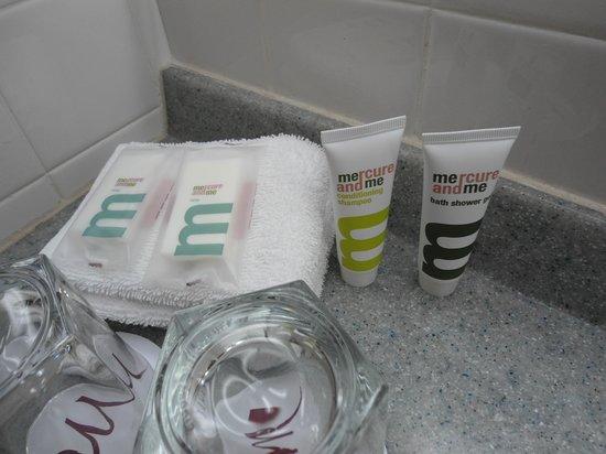 Mercure Wellington: room 611 nice shampoo etc.