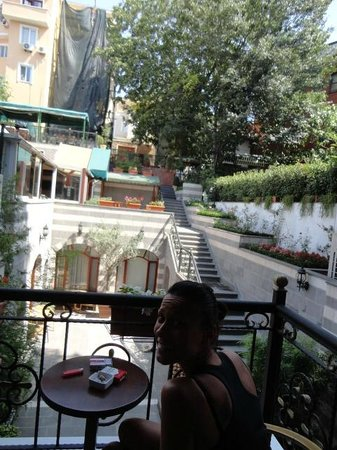 Rose Garden Suites Istanbul: vista camera