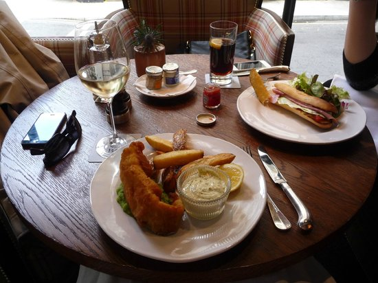 Blue Boar Restaurant: Fish & chips with a glass of Chardonnay